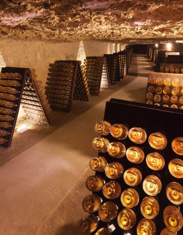 Cave A Vin Creusée → vins de loire   visite de cave